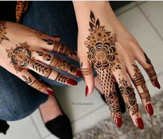 What is a Henna Tattoo? Henna tattoos are becoming very popular, but what precisely are they? Henna Hand Designs, Mehndi Designs Finger, Modern Mehndi Designs, Mehndi Designs For Fingers, Wedding Mehndi Designs, Mehndi Design Pictures, Beautiful Mehndi Design, Henna Tattoo Designs, Mehandi Designs