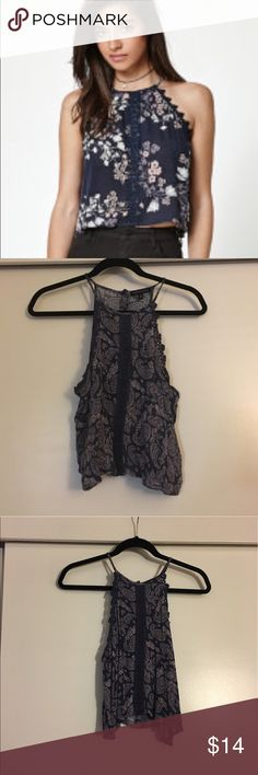 Kendall & Kylie Tank Lavender, almost grey looking, paisley, pattern Kendall & Kylie top. Worn once, perfect condition, size M! *first photo is just to show the fit of the top, not the one that I'm selling, photos 2-4 are my own!* PacSun Tops Tank Tops