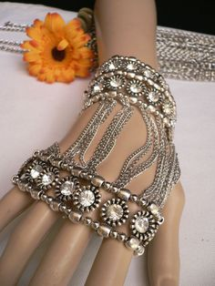 Silver Metal Chain Big Rhinestones Beads Trendy Hand Chains Slave Bracelet Fashion New Women Jewelry Accessories