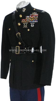 US Marine Corps dress uniform Marine Corps Dress Blues, Usmc Dress Blues, Uniform Dress, Marine Officer Uniform, Marine Corps Uniforms, Military Uniforms, Marine Corps Wedding, British Army Uniform, Wedding Dress Men