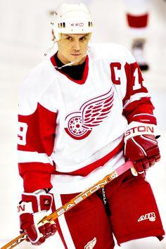 Steve Yzerman, Detroit Red Wings (Source: yzerman   Tumblr)