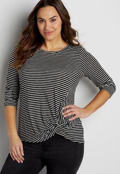 the 24/7 plus size striped tee with knot hem in black combo