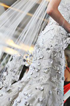 faOscar de la Renta Bridal 2013 - Photo by @Meagan Finnegan Finnegan Finnegan Cignoli.....fantastic texture.