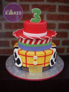 Woody and Buzz tiers iced in buttercream and decorated with Marshmallow Fondant (MMF). Jessie hat covered in MMF. Toy Story Birthday Cake, 3rd Birthday Cakes, 4th Birthday, Toy Story Theme, Toy Story Party, Jesse Toy Story, Woody Cake, Bolo Fake Eva, Woody Party