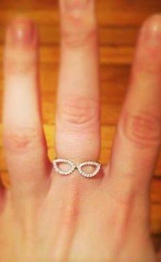 Sparkling Cat Eye Glasses Ring