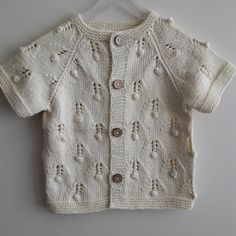 40 Different Winter Baby Knitting Patterns You Will Admire-- 40 Different Winter Baby Knitting Patterns You Will Admire Baby Knitting Patterns, Knitting For Kids, Crochet For Kids, Cardigan Bebe, Knitted Baby Cardigan, Cardigan Pattern, Summer Cardigan, Diy Knitting Projects, Little Girl Fashion