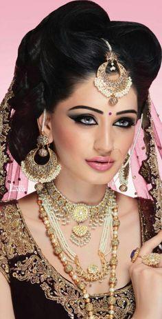 so sweet Indian Wedding Makeup, Indian Wedding Jewelry, Bridal Makeup, Indian Jewelry, Bridal Jewelry, Beautiful Girl Image, Beautiful Bride, Fairy Makeup, Mermaid Makeup