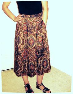 JHCollectibles Vintage Mid Calf Skirt by LasGarras on Etsy, $15.00