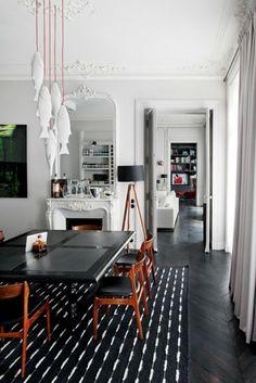 Modern Home Decor Interior Design Dark Interiors, Beautiful Interiors, Colorful Interiors, Room Interior Design, Interior Styling, Interior Decorating, Interior Colors, Dining Room Inspiration, Black Decor