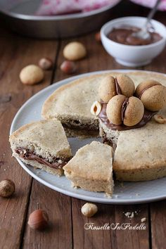Torta BACIO DI DAMA con nutella Nutella Recipes, Chocolate Recipes, Sweet Recipes, Cake Recipes, Hot Chocolate Gifts, Good Food, Yummy Food, Cooking Cake, Different Cakes