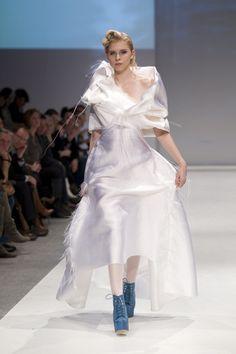 #Brautkleid #Hochzeitskleid Kaska Hass Couture Wellenbraut http://www.wunsch-brautkleid.de/Hochzeitskleid-Kaska-Hass-Couture-Weiss-groesse-mehrere-groessen-Neuware-fuer-2000euro-478.html