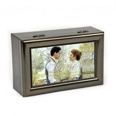1adebe7684 Features a photo of Anne and Gilbert and plays the