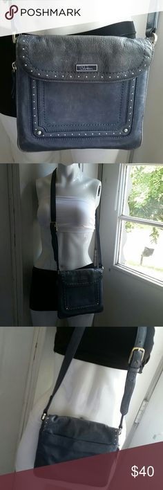 Cole Haan Beautiful, very nice as dressy or casual, in excellent condition both in and out. Cole Haan Bags Crossbody Bags