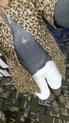 CAbi white Indie jesns, Batteau tee, Estate jacket