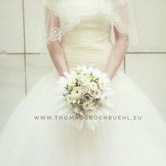 #flowers  #luxuryflowers #floraldesign  #thomasgröhbühlfloraldesign #florist #thomasgröhbühl #karlsruhe #blumen Floral Design, Wedding Dresses, Fashion, Bride Dresses, Moda, Bridal Wedding Dresses, Fashion Styles, Floral Patterns, Weeding Dresses