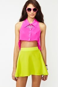 loveee this neon outfit. cute croppie!!