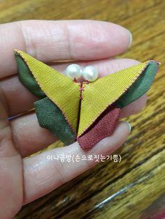 나비브로치 (패키지조각브로치 과정샷)~♡ : 네이버 블로그 Sewing Projects, Projects To Try, Quilt Tutorials, Heart Ring, Brooch, Drop Earrings, Embroidery, Quilts, Blog