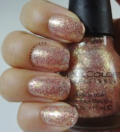 Colors gold nail polish, gold nails, my nails, nail polishes, sinful colors Holiday Nail Colors, Holiday Nail Designs, Holiday Nails, Christmas Nails, Sinful Colors Nail Polish, Glitter Nail Polish, Gold Nails, My Nails, Nail Polishes