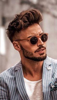 We brought 5 Cool Haircuts for Men that you could have right before the new year's eve. This New Year Haircut is surely going to add the oomph factor. Mens Hairstyles With Beard, Cool Hairstyles For Men, Boy Hairstyles, Cool Haircuts, Haircuts For Men, Beard Styles For Men, Hair And Beard Styles, Hair Styles, Highlights For Men