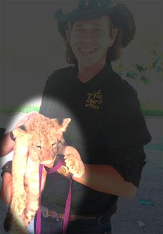 Speak up for an exhausted-looking lion cub paraded around an elementary school! Thank you for your continuing compassion for exotic cats. YOU are the only voice these cubs have!Please take action here:http://salsa4.salsalabs.com/o/51389/p/dia/action3/common/public/?action_KEY=19796