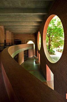 Indian Institute of Management, Ahmedabad, Louis Kahn
