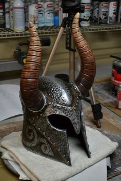 Volpin Props step-by-step Helm of Yngol (Skyrim).