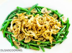 Green beans with mushrooms and fried onion