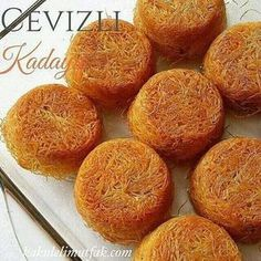 No photo description available. Sweet Recipes, Cake Recipes, Dessert Recipes, Turkish Sweets, Salty Foods, Gateaux Cake, Sweet Pastries, Dessert Drinks, Arabic Food