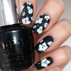 Blog on how to create an adorable spooky Halloween Ghost Leaf manicure by @thehanninator using our Autumn Leaf Nail Stencils found at snailvinyls.com