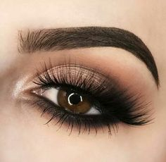 25 Beautiful sparkly eye make-up for your wedding day - beauty of the wedding . 25 Beautiful sparkly eye make-up for your wedding day - . Eye Makeup Tips, Makeup Goals, Skin Makeup, Eyeshadow Makeup, Eyeliner, Makeup Ideas, Makeup Products, Makeup Brushes, Makeup Tutorials