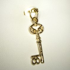 Buy number 18 Key Charm (chr-0829) online at Chain Me Up