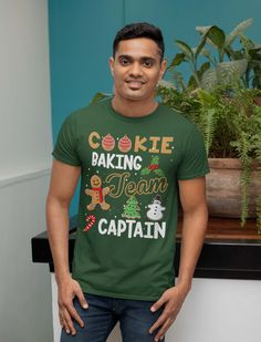 Men's Christmas T Shirt Cookie Baking Team Captain Matching Xmas Shirts Cute Graphic Baker Xmas Tee Mens Christmas T Shirts, Xmas Shirts, Vintage Hipster, Hipster Shirts, Long Tee, Womens Size Chart, Mens Tees, Graphic Tees, Cookie