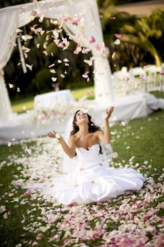 Wedding photography idea with the bride and flowers