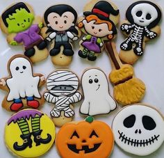 Could use gingerbread man cookie cutter for some of these I think Halloween Cookies Decorated, Halloween Sugar Cookies, Halloween Desserts, Halloween Cakes, Halloween Treats, Fall Cookies, Cute Cookies, Holiday Cookies, Cupcake Cookies