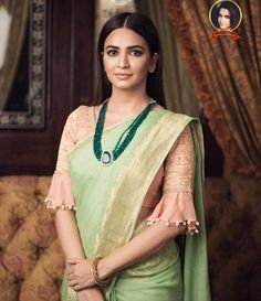 Beautiful Saree Blouse Sleeve Designs to Try This Year - Kurti BlouseBest Ideas For Wedding Winter Bridesmaids GoldElegant and Graceful. Silk Saree Blouse Designs, Saree Blouse Patterns, Fancy Blouse Designs, Designer Blouse Patterns, Blouse Neck Designs, Sleeve Designs, Dress Designs, Blouse Styles, Floral Blouse