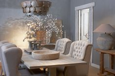 Vicky's Home: Rustico y elegante /Rustic and elegant Sober Living, Home And Living, Living Room, Dining Chairs, Dining Table, Oak Table, Interior Inspiration, Sweet Home, Interior Design