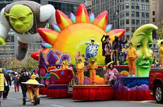 Thanksgiving Parade, Happy Thanksgiving, Parade Floats, Winter Haven, Balloons, Fun, Happy Thanksgiving Day, Globes, Parade Float Supplies