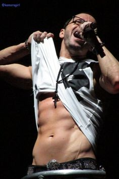 ♥ ♥ Donnie Wahlberg ♥ ♥ 25 years later and still hot!!