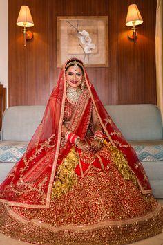 Pinterest • @bhavi91 Wedding Lehnga, Indian Bridal Lehenga, Indian Bridal Outfits, Indian Bridal Wear, Wedding Attire, Bridal Dresses, Bridal Looks, Bridal Style, Bridal Lehngas