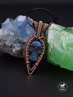 The skull is the symbol of LIFE, it represent communication, knowledge, wisdom and mind power and resonate with us as we are now incarnated in human form. Copper Jewelry, Copper Wire, Life Symbol, Cancer Sign, Skull Head, Skull Pendant, Skull Necklace, Sliding Knot, Head Shapes