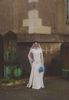 Real bride Anna wore one of our single tier soft tulle veils for a demure wedding style.