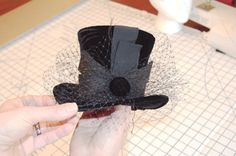 Simple tutorial on how to make a miniature top hat by hatheads school of…