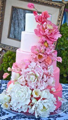 Beautiful cake from Gianna's private estate wedding  #weddingcake