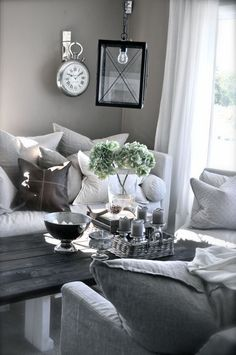 this pretty much sums up what I want to do in my living/family room!