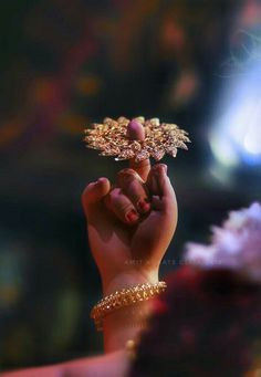 Lovelifnsoul💋 Krishna Leela, Baby Krishna, Cute Krishna, Radha Krishna Pictures, Lord Krishna Images, Radha Krishna Photo, Krishna Art, Radhe Krishna Wallpapers, Lord Krishna Hd Wallpaper