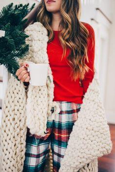Christmas fashion, noel christmas, old navy christmas pajamas, holiday outf Old Navy Christmas Pajamas, Old Navy Pajamas, Christmas Pjs, Christmas Fashion, Winter Fashion, Christmas Outfits, Cozy Christmas Outfit, Comfy Pajamas, Classy Christmas