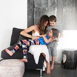 Love this site ww.theglow.com    all photos of the lifestyles of amazing and fashionable mom's... this is the kind of mom I want to be...  At home with Jennifer Fisher