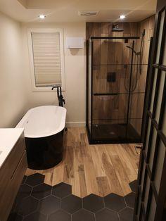 New Bathroom Ideas, Bathroom Inspiration, Vw Caddy Mk1, Dark Bathrooms, Accent Wall Bedroom, Interior Decorating, Interior Design, Fixer Upper, My Dream Home