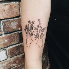 Pin for Later: 21 Seasonal Tattoo Ideas For Anyone Who Really, Truly Loves Spring Green Thumb — and Hand
