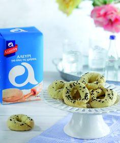 Κουλουράκια ούζου Greek Sweets, Cookie Recipes, Muffins, Cupcakes, Cookies, Baking, Food, Recipes For Biscuits, Crack Crackers